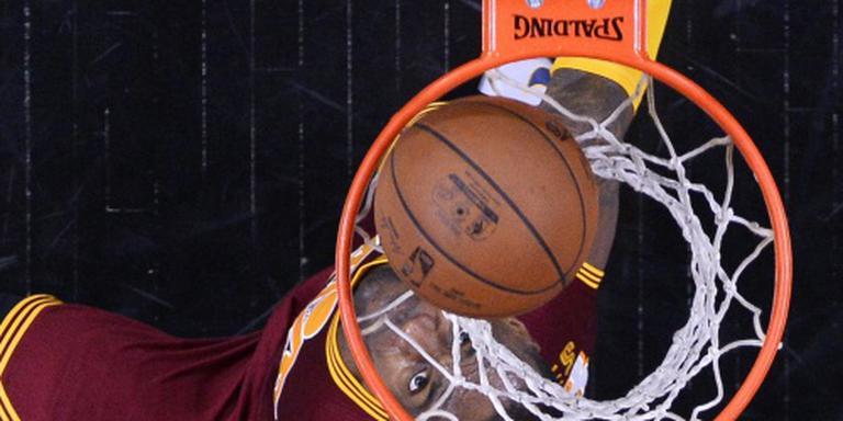 Spurs en Cavaliers dicht bij volgende ronde