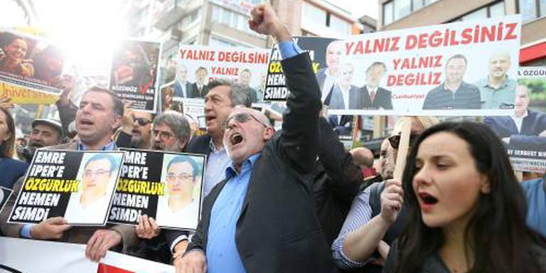 Turkse ambtenaren krijgen baan terug