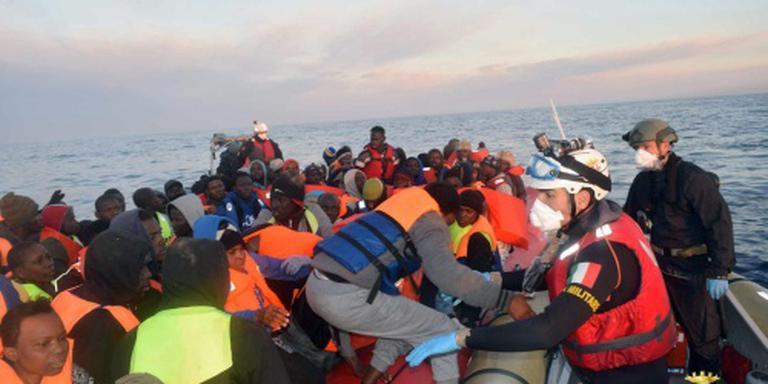 Geredde vluchtelingen: nog een schip gezonken