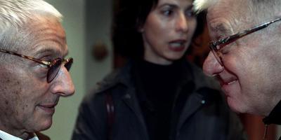 Mendini in gesprek met Frans Haks (rechts). Foto: Reyer Boxem