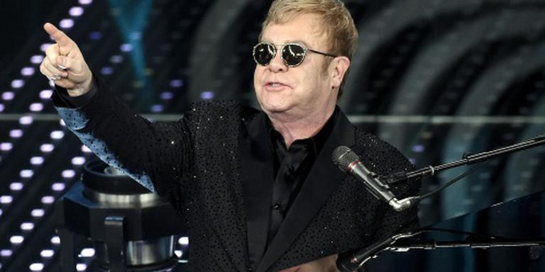 Elton John spreekt Poetin mogelijk in mei