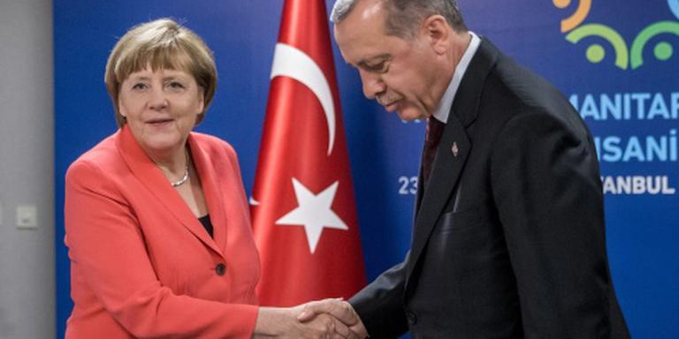 Merkel: per 1 juli geen visumvrijheid Turken