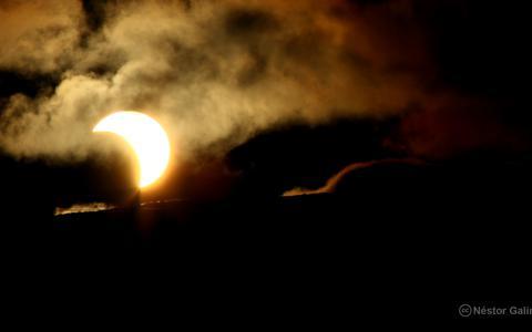 Hoe kan je de zonsverduistering volgen? (En vijf andere vragen over de Great American Eclipse)