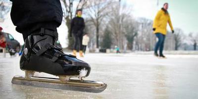 Volgens weerbureaus neemt de kans toe dat we kunnen schaatsen, vooral op opgespoten ijsbanen.