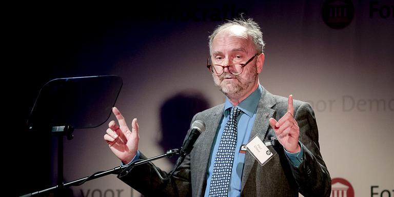 Paul Cliteur spreekt in 2017 tijdens een partijcongres van Forum voor Democratie. Foto: ANP / Remko de Waal