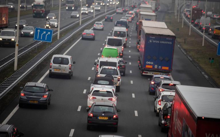 A28 bij Assen-Noord dicht door ongeluk.
