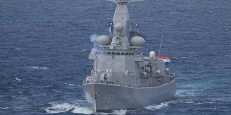Van Amstel redt 150 migranten uit zee