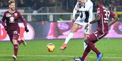 Ronaldo schiet Juventus langs Torino