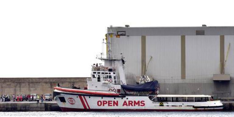 Reddingsschip met 87 migranten naar Spanje