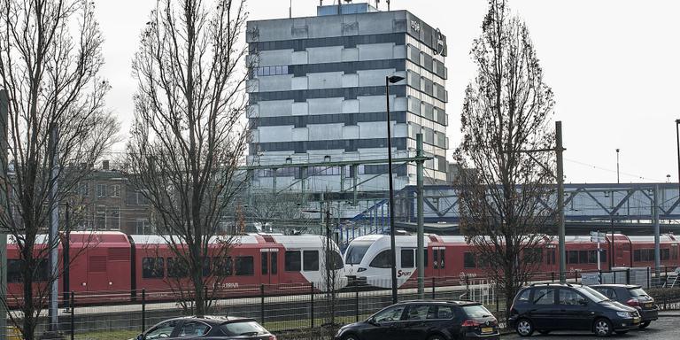 Reusachtige locatie starters bij station