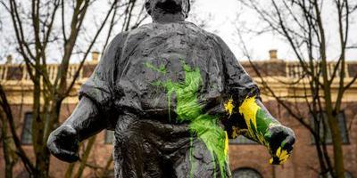 Politiek boos over bekladdingen Amsterdam