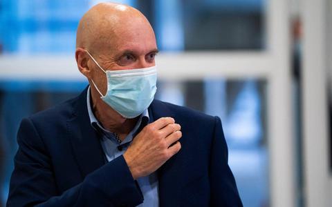 Ernst Kuipers luidt noodklok vanwege oplopend aantal besmettingen: 'Alle ziekenhuizen moeten operaties afzeggen voor opvang patiënten met corona'