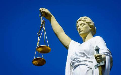 Duo pleegt autokraak in Hoogeveen: twee maanden celstraf