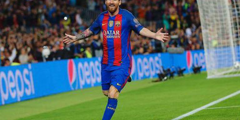 Messi scoort driemaal voor Barca tegen City