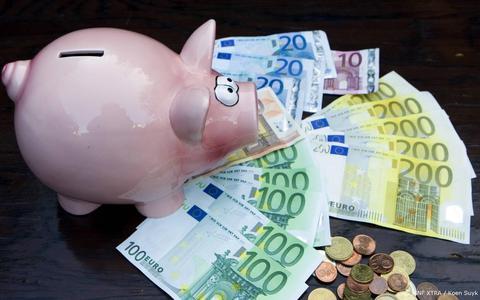 Nederlanders zijn vandaag twee keer zo rijk als 50 jaar geleden. Dat de koopkracht niet stijgt en werken niet loont is een fabel