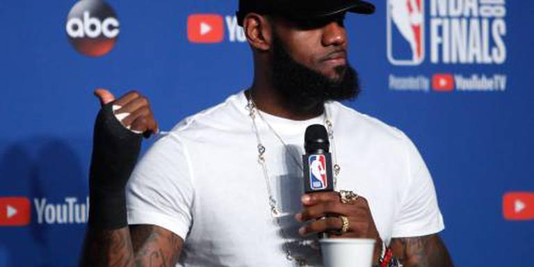 LeBron James naar LA Lakers