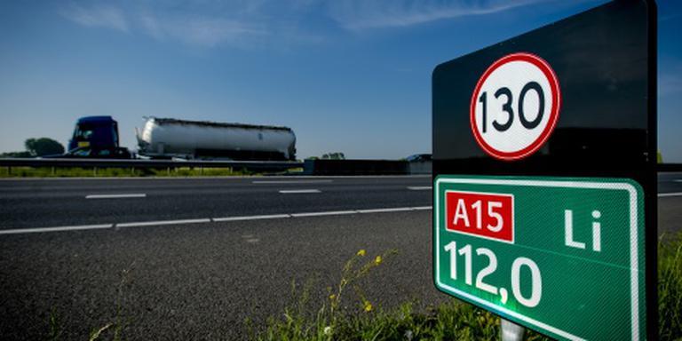 Nieuw asfalt A15 na ongeluk