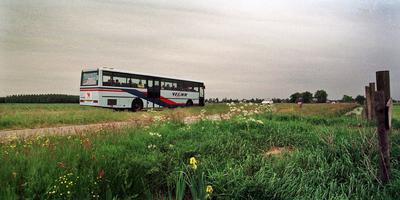 Bus met Emmen-supporters gestrand. Foto: Archief DvhN (het afgebeelde voertuig is niet de bus met pech)