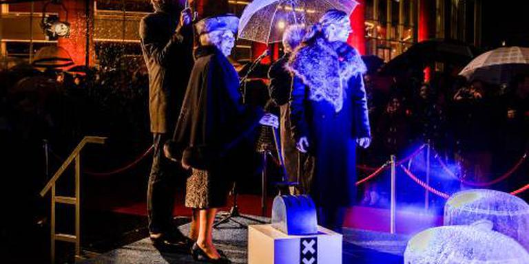Lichtkunst verlicht donker Amsterdam