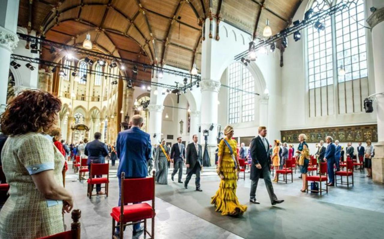 Koning Willem-Alexander en koningin Máxima na afloop van de troonrede op Prinsjesdag in de Grote Kerk in Den Haag