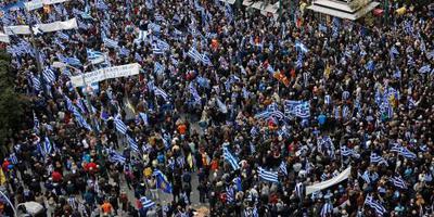 100.000 Grieken de straat op om namenkwestie