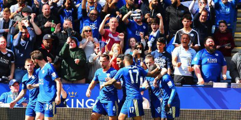 Leicester met tien man gelijk tegen West Ham
