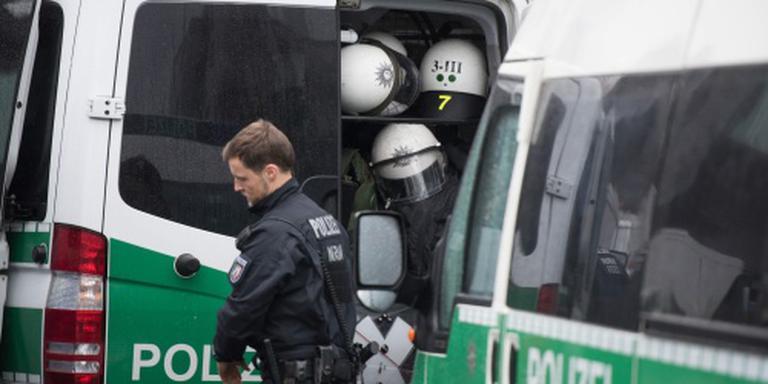 Duitser dreigt met bom in auto