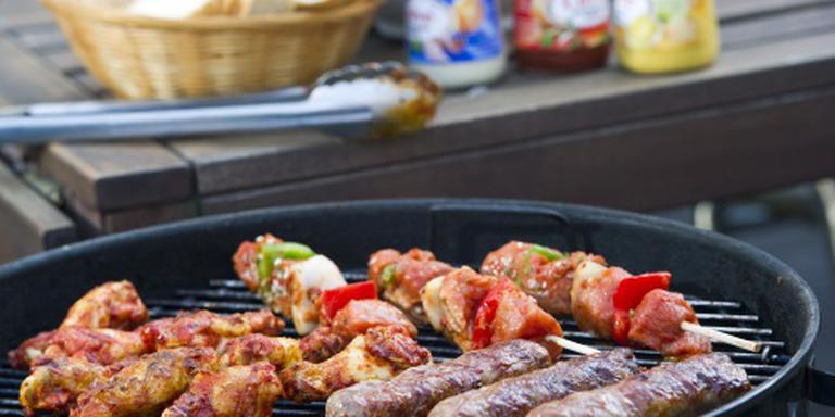'Zeven suikerklontjes saus op barbecueworst'