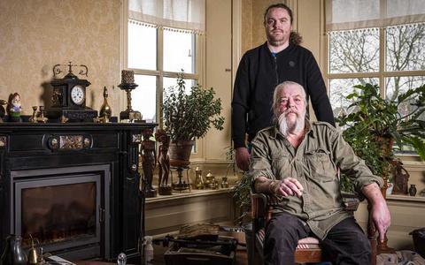 Johan 'De Viking' uit 't Zandt looft 100.000 euro uit. OM kijkt opnieuw naar bomaanslag: speelde kopstuk Mocro-maffia een rol?