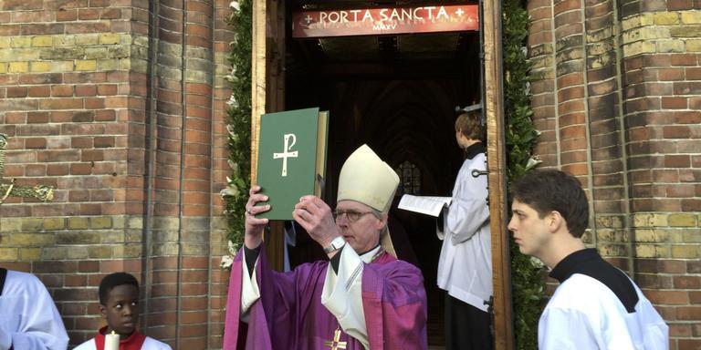 Bisschop opent Porta Sancta voor het Noorden