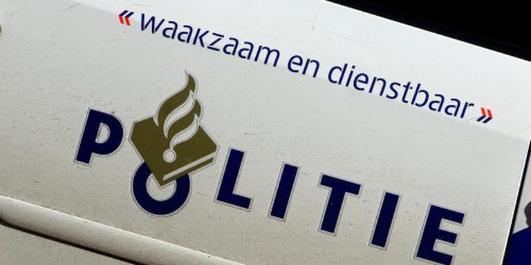 Agenten bekogeld bij feest Amsterdam-Zuidoost