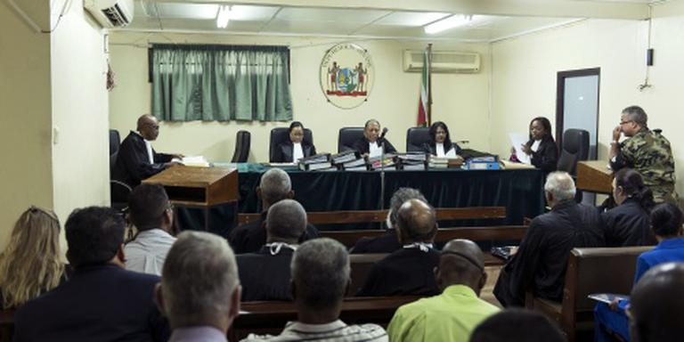 Aanklager vraagt stop proces Decembermoorden