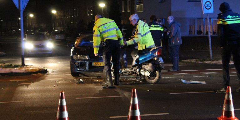 Scooterongeluk in Groningen. Foto AS Media