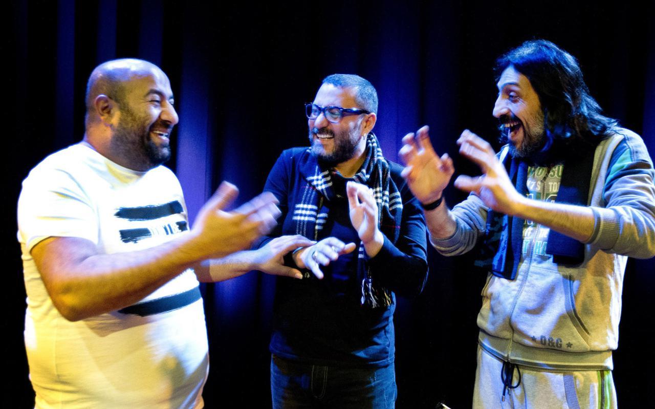 """Aytaç Dogan, Hüsnü Senlendirici en Ismail Tunçbilek (vlnr) van het Taksim Trio: ,,We nemen alles als bagage mee."""" FOTO PAUL BERGEN"""