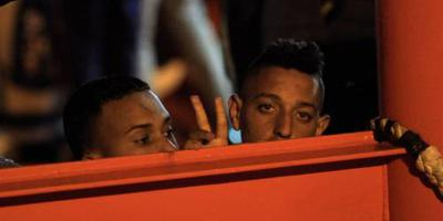 Groep migranten weigert schip te verlaten