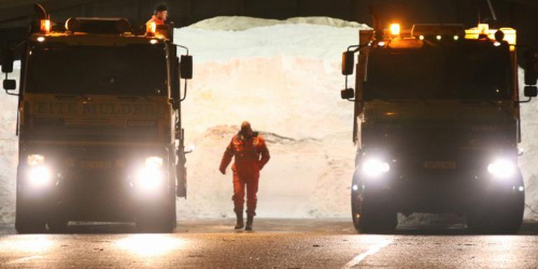 Strooiwagens rukken uit vanwege sneeuw