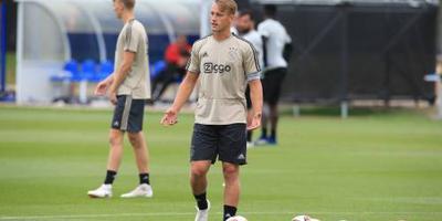 Sierhuis tot 2021 bij Ajax