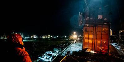 Berging containers bij Terschelling begonnen