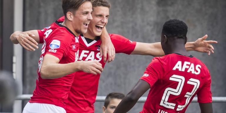 AZ na winst op PEC Zwolle stevig in subtop
