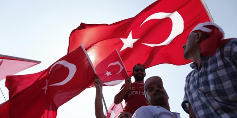 Geschorste docenten de straat op in Turkije