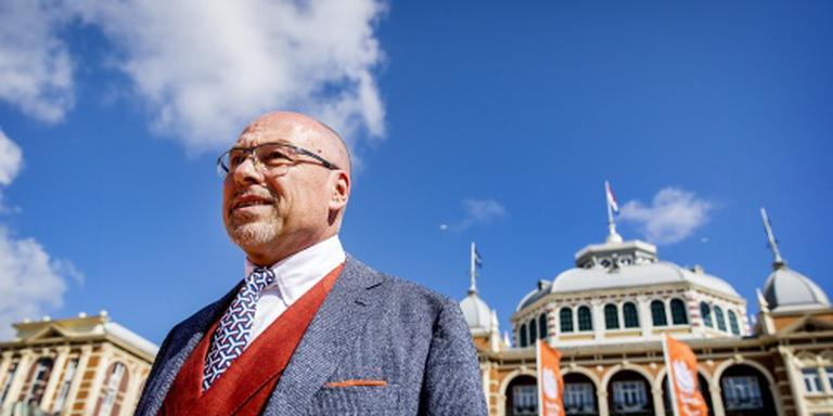 Hendriks zwijgt over vlaggendrager