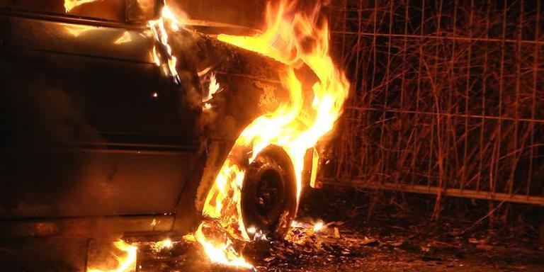 Autobrand in Hoogeveen op 9 januari 2015. FOTO PERSBUREAU METER