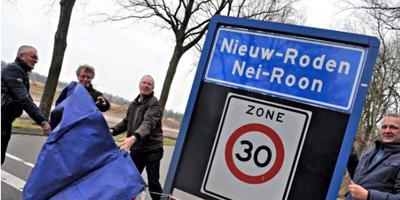 Nieuw-Roden heeft al een tweetalig plaatsnaambord. Foto: DvhN