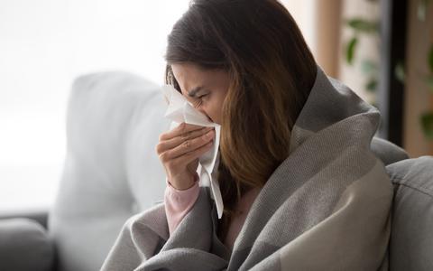 Last van allergie? Vergelijk hier de symptomen van hooikoorts, corona, een griepje en een verkoudheid