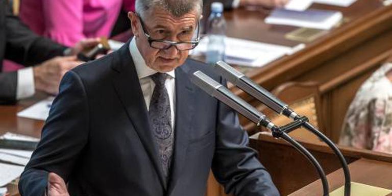 Regering Tsjechië overleeft stemming parlement