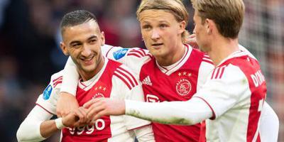 Ajax met Dolberg en Schöne