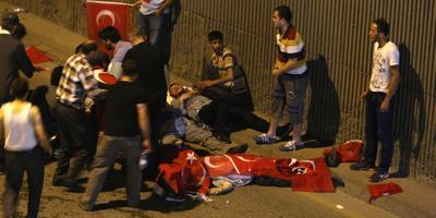Parlementsgebouw Ankara zwaar beschadigd