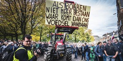 Boeren bij het provinciehuis in Groningen. Foto: ANP/Siese Veenstra