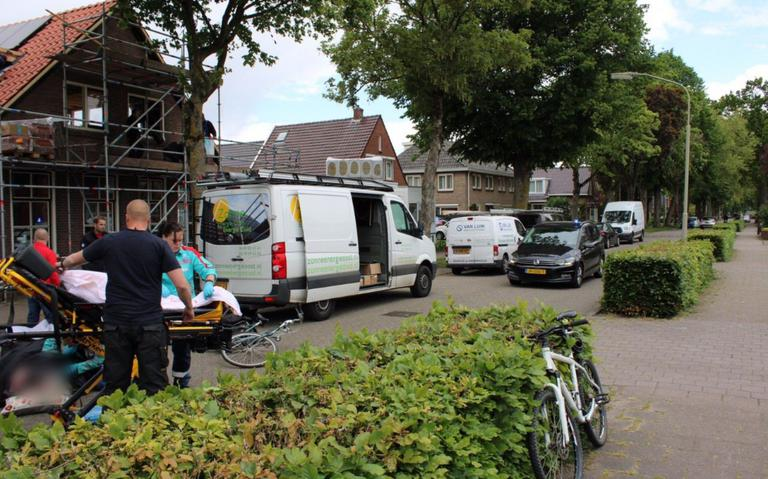 Fietsster raakt gewond bij aanrijding in Emmen.