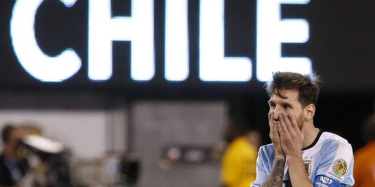 Maradona: Messi moet blijven